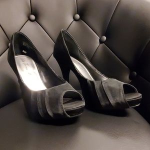 """Lulu Townsend 4"""" heels black 7.5"""